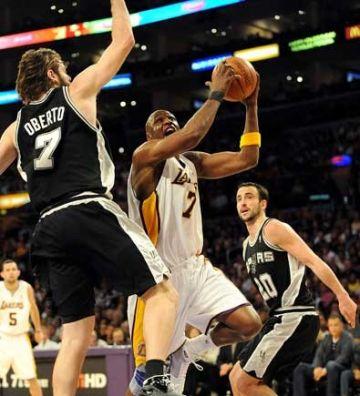 Cayeron ante los Lakers los Spurs de Ginóbili