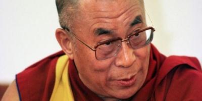El Dalai Lama llegó hoy a Estados Unidos para reunirse mañana con el presidente Barack Obama