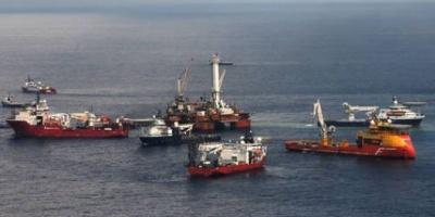 BP intenta otra maniobra para taponar la fuga de crudo que lleva 42 días