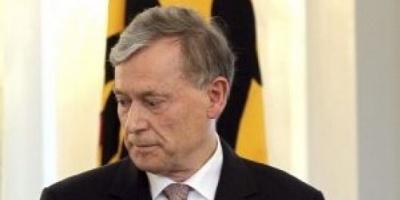 Renuncia el presidente de Alemania, Horst Köhler