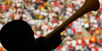 Cansado de la vuvuzela, mató a su vecino
