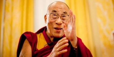 El Dalai Lama a veces sueña con mujeres